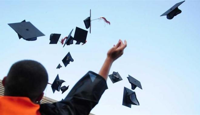 Diplome de licență cumpărate direct de la profesori. 36 de persoane suspecte sunt anchetate - 00159088large-1501162938.jpg