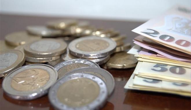 Foto: Euro a atins un NOU MAXIM istoric faţă de leu