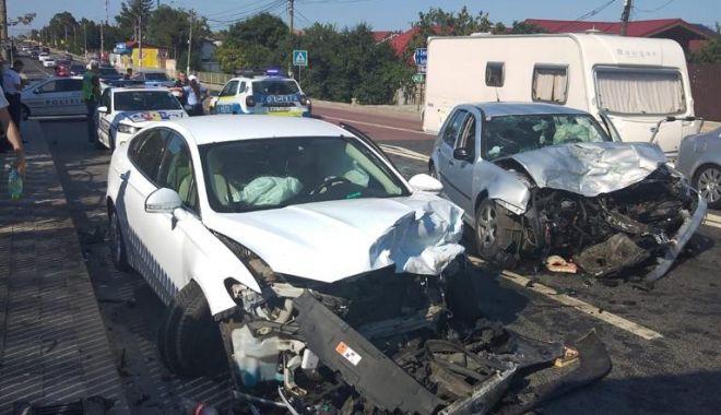 GALERIE FOTO/ Accident rutier grav în 23 August. Opt persoane au fost rănite - 015bbb9621364b3b830594d78f2e9aaf-1627137141.jpg