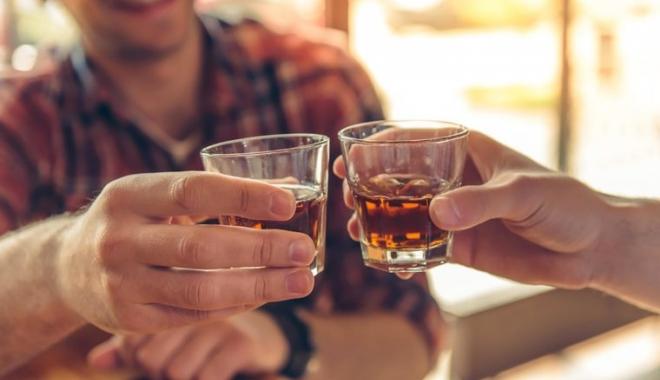 Foto: Vânzarea de alcool, interzisă sâmbătă pe traseul cortegiului funerar