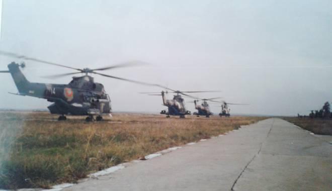 Foto: Patru Doamne şi toţi patru:  elicopter doborât - echipaj martir!