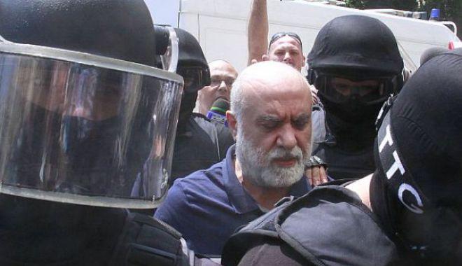 Foto: ZI CU EMOŢII pentru Omar Hayssam, condamnat la 23 de ani de închisoare. Tribunalul judecă cererea de întrerupere a pedepsei