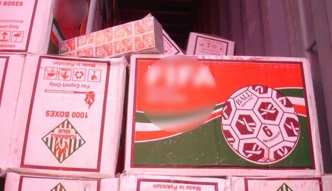 Foto: Chibrituri în valoare de peste jumătate de milion de lei, confiscate în Portul Constanţa Sud Agigea