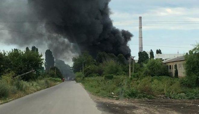 GALERIE FOTO / Incendiu puternic la un depozit din Constanța. NU SUNT VICTIME - 0d2b0767f11b467fb88f0b8b9053c727-1625318865.jpg