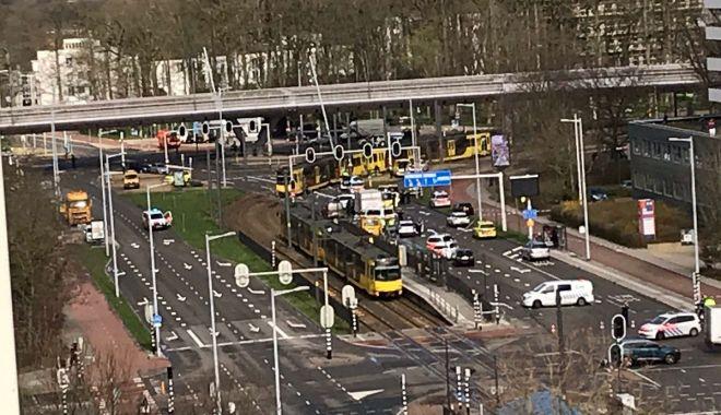 Foto: Împuşcături la Utrecht, sunt mai multe victime. Un bărbat a deschis focul în tramvai