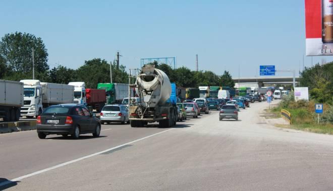 Foto: Atenţie, şoferi! Trafic restricţionat pe drumul spre Mangalia, în localitatea Agigea