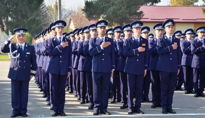 Foto: TOTUL DESPRE ANGAJĂRILE DIN SURSĂ EXTERNĂ ÎN POLIŢIE. Când se vor da examenele şi cine poate participa la concurs