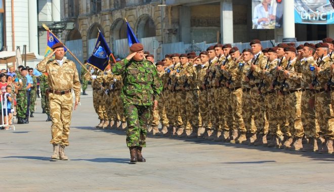 Foto: Se fac angajări în ARMATĂ. Sute de locuri de soldat / gradat profesionist, disponibile în toată ţara. CONSTANŢA, cele mai multe angajări