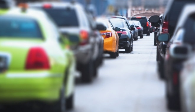TIMBRUL DE MEDIU, ÎNLOCUIT CU O NOUĂ TAXĂ. Guvernul vrea să protejeze Dacia şi Ford