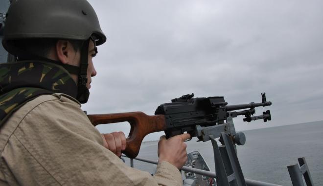 Foto: Pe cine ar trebui să fie supăraţi maiştrii militari şi subofiţerii pentru nedreptăţile salariale?