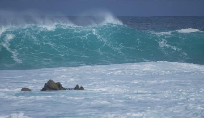 Continuă furtuna la Constanţa! Vânt de peste 60 de km pe oră - 1-1515936070.jpg