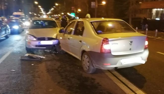 Foto: Neatenția la volan se plătește: ACCIDENT pe bulevardul Tomis!