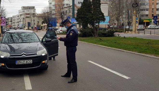 Reportaj: Constanța în CARANTINĂ TOTALĂ. Străzi pustii, poliția la datorie, afaceri cu lacătul pe ușă! GALERIE FOTO - 1-1585143585.jpg