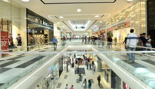 Retailerii vor fi două zile în grevă. De ce rămân mall-urile închise luni dimineața - 1-1591969748.jpg
