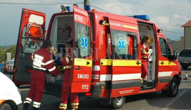 Accident rutier în județul Constanța. Un scuterist a intrat într-un stâlp. Victima este inconștientă - 1-1593347012.jpg