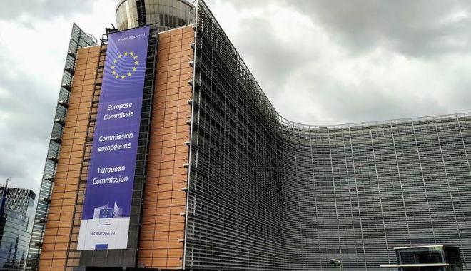Foto: Comisia Europeană a lansat cererea pentru crearea 'centrelor naționale de verificare a informațiilor'