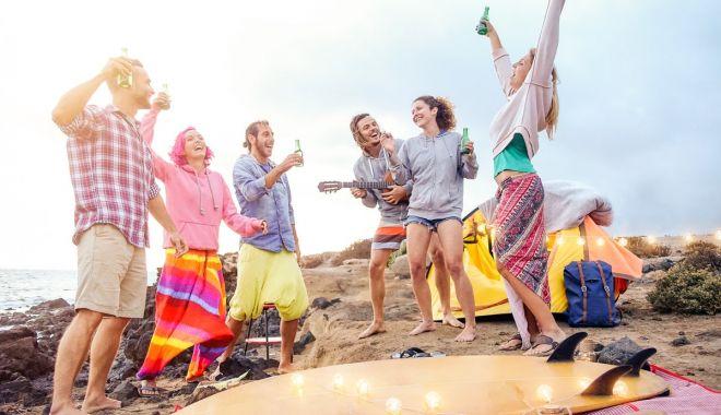 Foto: Beach-barurile din Vama Veche, doar cu muzică ambientală, pentru a nu răspândi coronavirusul
