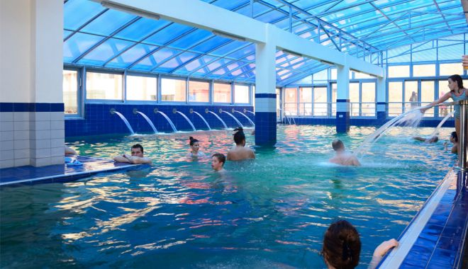 Guvernul va menţine închise piscinele interioare. Care este motivul