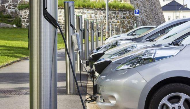 ACEA: Europa trebuie să înmulţească staţiile de încărcare pentru automobilele electrice - 1-1603901201.jpg
