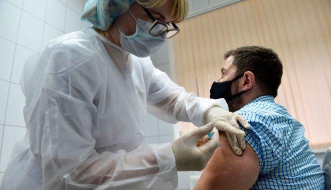 Medicii de familie vor fi plătiţi cu cel puţin 30 de lei pentru fiecare pacient programat pentru vaccinare - 1-1610729046.jpg