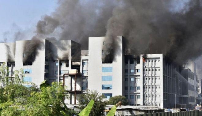 Cea mai mare fabrică de vaccinuri anti-COVID din lume a luat foc - 1-1611234297.jpg