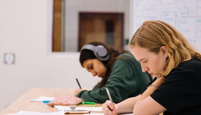 Părinții cer eliminarea mai multor cerinţe din programa pentru Evaluarea Națională - 1-1611676689.jpg