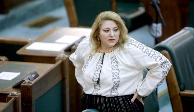 Diana Șoșoacă, exclusă din AUR. L-a acuzat pe Sorin Lavric de misoginism - 1-1612977980.jpg