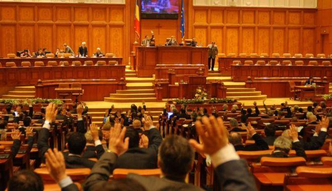 Parlamentul a dat liber la angajări în instituțiile publice - 1-1614172910.jpg