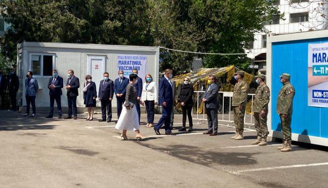 Preşedintele Klaus Iohannis, aşteptat de oficialităţile locale şi judeţene, la Spitalul Militar Constanţa - 1-1620291879.jpg