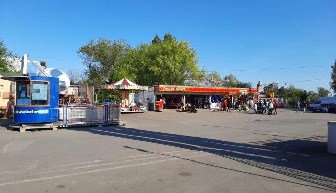 GALERIE FOTO / Este activitate în Satul de Vacanță. Constănțenii au ieșit la plimbare - 1-1620572506.jpg