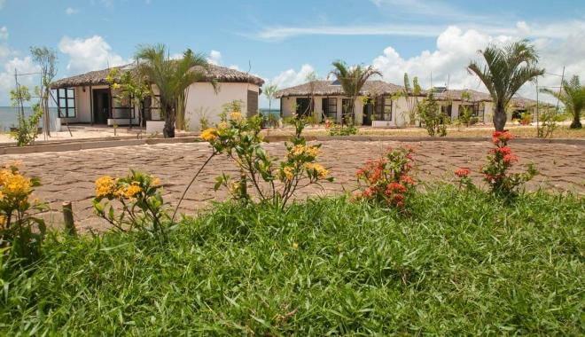 CUM ARATĂ HOTELUL LUI RADU MAZĂRE DIN MADAGASCAR / GALERIE FOTO - 10-1465969522.jpg