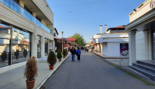 GALERIE FOTO / Este activitate în Satul de Vacanță. Constănțenii au ieșit la plimbare - 10-1620572644.jpg