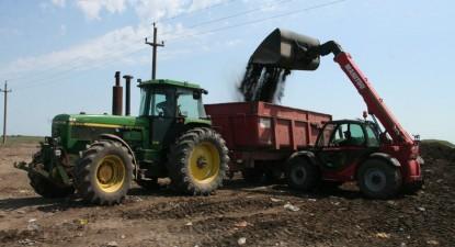 Foto: Gropile de gunoi din mediul rural vor prinde sfârşitul anului în funcţiune