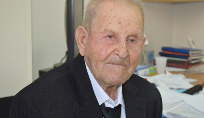 Foto: 100 de ani de viaţă. Povestea veteranului care a luptat în Al Doilea Război Mondial