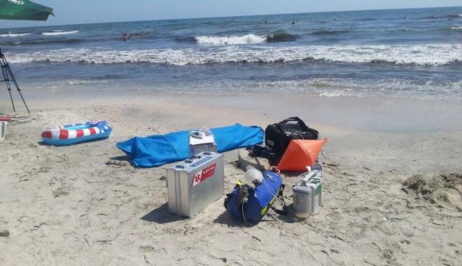 Galerie Foto - DUBLĂ tragedie pe litoral! Tată și fiică luați de valurile mării, decedați după zeci de minute de resuscitare - 10588862792610664103304283568655-1406716734.jpg
