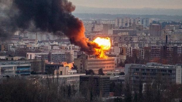 Foto: Explozie la Universitatea din Lyon. Trei persoane au fost rănite