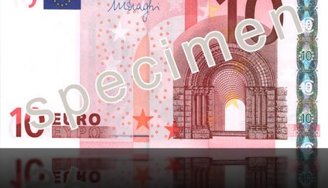 Foto: Euro se schimbă. Apare a doua serie a bancnotelor / Galerie foto