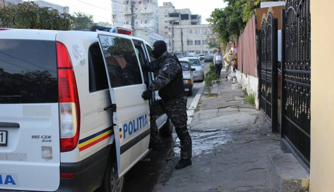 Foto: PERCHEZIŢII la Mangalia / Este vizată o grupare de hoţi