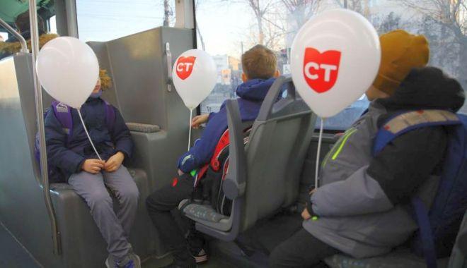 Foto: Autobuzele școlare, succes garantat în rândul elevilor