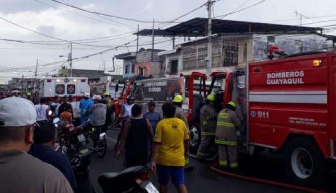 Foto: 17 oameni au murit într-o clinică ce a fost cuprinsă de flăcări