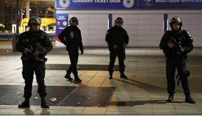Foto: Ce presupune Starea de urgență decretată în Franța după atentatele de la Paris