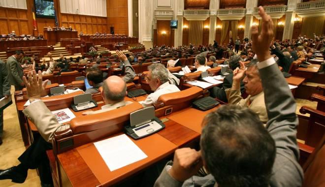 Foto: Se reuneşte Parlamentul. Care este motivul