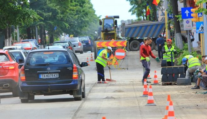 Foto: Şoferi, atenţie! Trafic îngreunat pe una dintre cele mai importante artere din Constanţa