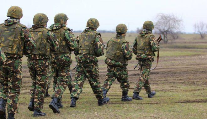 """Foto: """"Dacă ajungi la situaţia de război, lucrurile se complică; industria de apărare este la pământ"""""""