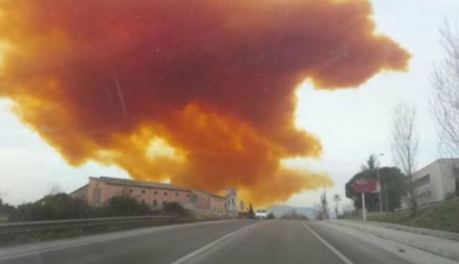 Foto: Explozie în Muntenegru. Uzina de produse aerospaţiale, aruncată în aer