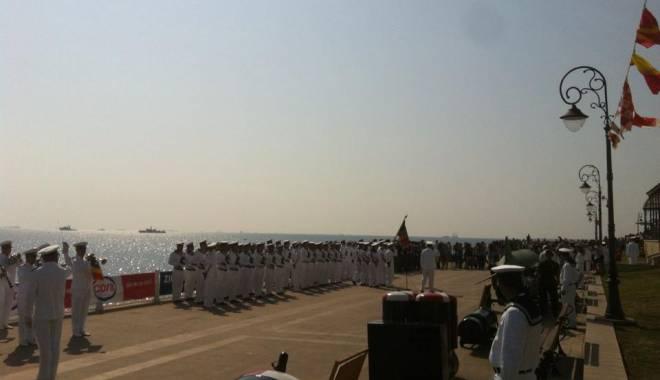 Ziua Marinei la Constanţa / Manifestările dedicate acestei zile, în desfăşurare - Galerie foto - 11857782937992356268423176447400-1439625001.jpg