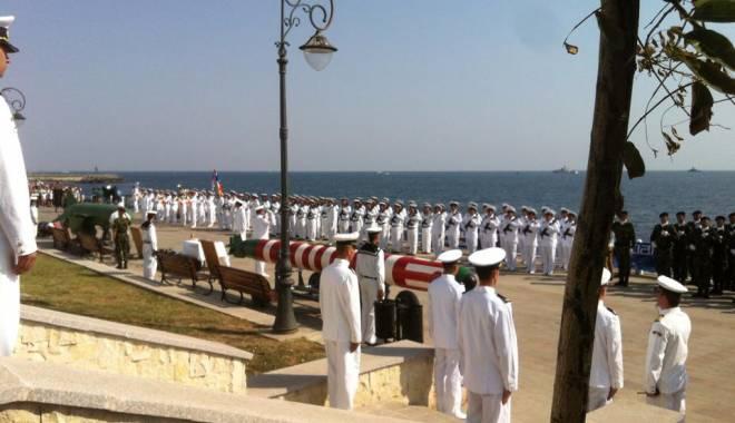 Ziua Marinei la Constanţa / Manifestările dedicate acestei zile, în desfăşurare - Galerie foto - 11880929937992459601746184496486-1439625015.jpg