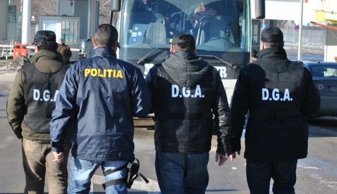 Foto: 11 ani de activitate ai Direcţiei Generale Anticorupţie, marcaţi şi la Constanţa