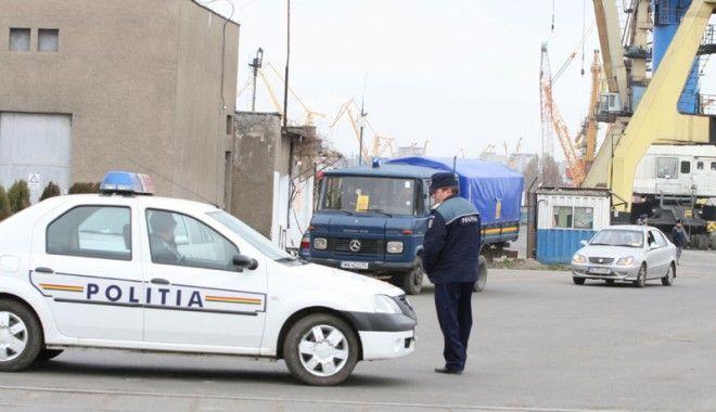 Foto: Descinderi la afaceriştii din porturile maritime