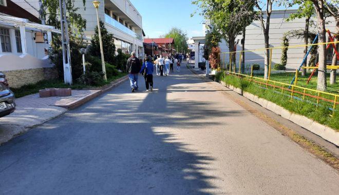 GALERIE FOTO / Este activitate în Satul de Vacanță. Constănțenii au ieșit la plimbare - 12-1620572663.jpg